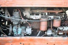 引擎用在一台老拖拉机的设备 免版税库存照片