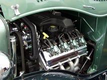 引擎绿色旧车改装的高速马力汽车 库存照片