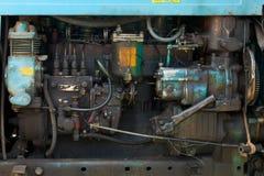 引擎老拖拉机 免版税库存照片