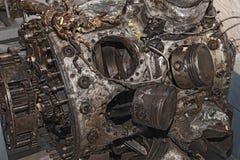 引擎被毁坏一架老军用飞机 免版税图库摄影