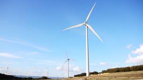 引起能承受的能量的现代风轮机 影视素材