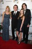 弗兰克Dicopoulos,妻子特哈角,儿子Jaden,女儿奥利维亚到达2011个FAAN洛杉矶节目 库存照片