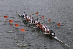 弗吉尼亚大学划船在查尔斯赛船会妇女的冠军Eights头赛跑  免版税库存照片
