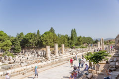 以弗所,土耳其考古学地区  尼罗Stoa,位于沿大理石街道 图库摄影