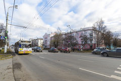 弗拉基米尔,俄罗斯-05 11 2015年 公共汽车的运动 图库摄影