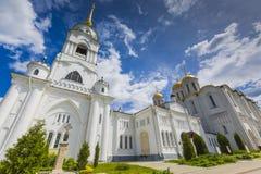 弗拉基米尔- 2016年6月05日:弗拉基米尔的假定大教堂在su 免版税库存图片