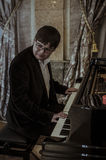 弗拉基米尔Selonians (钢琴)意大利大使塞萨尔玛丽亚Ragalini 免版税库存照片