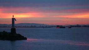 弗拉塞尔河、冬天日出猛拉和驳船 影视素材