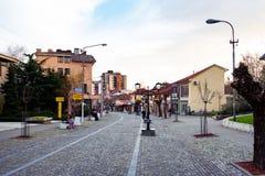 弗拉涅,塞尔维亚- 2018年4月4日:步行街道在a的弗拉涅 图库摄影