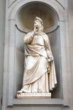 弗朗切斯科Petrarca雕象在佛罗伦萨,意大利 库存图片