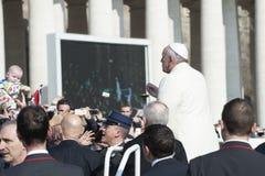 弗朗西斯教皇与忠实讲话 免版税库存照片
