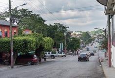 弗洛勒斯,危地马拉- 2017年11月15日:弗洛勒斯市在危地马拉 都市风景 免版税库存照片