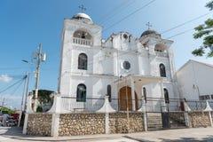 弗洛勒斯,危地马拉- 2017年11月15日:弗洛雷斯岛大教堂外部建筑学在危地马拉 图库摄影