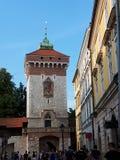 弗洛里安门通过克拉科夫波兰的墙壁  免版税库存图片