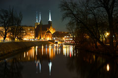 弗罗茨瓦夫大教堂海岛晚上视图  库存图片