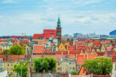 """弗罗茨瓦夫现代和老历史大厦â€空中都市风景""""视图  免版税库存照片"""