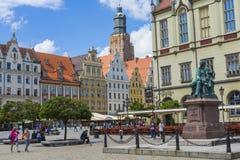 弗罗茨瓦夫,波兰- 2016年7月07日:squar的市场的建筑学 库存图片