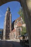 弗罗茨瓦夫,波兰- 9月17 2015年:老镇大广场, Elisabeth教会, 9月17日 2015年弗罗茨瓦夫,波兰 库存图片