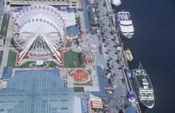弗累斯大转轮和小船,海军码头,芝加哥,伊利诺伊鸟瞰图  库存图片