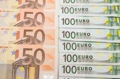 50张和100张欧洲票据 免版税库存照片
