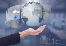 张开棕榈拿着世界与天气日历接口的企业手地球地球 免版税库存图片