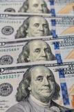 $100张票据被隔绝的特写镜头 财富和财务概念 免版税库存照片