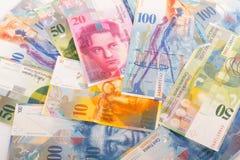 100张, 50张, 20张和10张CHF瑞士人钞票 库存照片