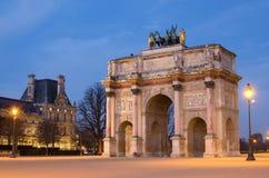 1805 1806 1808弧曲拱转盘纪念被委任的courtyard de des详细资料du emperor法国我位于的jardin连结天窗军事模型拿破仑・巴黎位置四马二轮战车罗马s septimius severus今天冠上胜利是的triomphe凯旋式 免版税库存照片