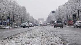 弧de triumph在一罕见的多雪的天之前在巴黎,法国 影视素材