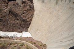 弯曲的墙壁和黑峡谷在胡佛水坝 免版税库存照片