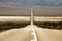 弯曲的漫长的路 免版税库存照片