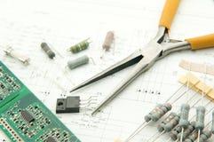 弯曲的组件电子线索晶体管 库存图片