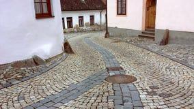 弯曲的路在pitoresque城市 库存图片