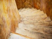 弯曲的水泥楼梯 库存照片