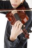 弹小提琴的男孩图象 图库摄影