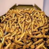 弹药容器充满金黄子弹 免版税图库摄影