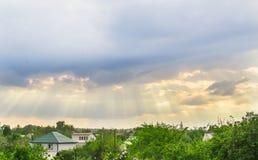 强制本质雨天空 库存照片