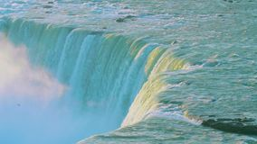 强有力的发怒的尼亚加拉瀑布 影视素材