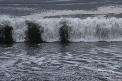 强烈的波浪 背景材料 库存照片