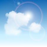 强的太阳和天空 免版税库存图片