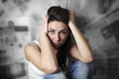 强调的妇女年轻人 免版税库存图片