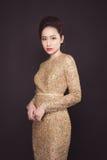 当事人 黑背景的美丽的性感的亚裔妇女 库存图片