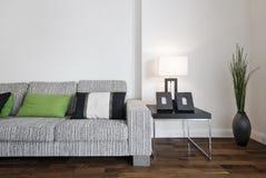 当代沙发 免版税库存图片