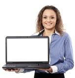 当前有copyspace的女实业家一台膝上型计算机在显示器 库存照片