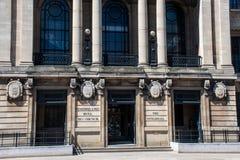 当地政府的市政厅中心正面船身市议会的 库存图片