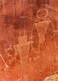 当地美洲印第安人佛瑞蒙刻在岩石上的文字砂岩山加州 库存照片
