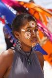 当地马达加斯加人的Sakalava种族女孩,与装饰的面孔的秀丽 免版税图库摄影