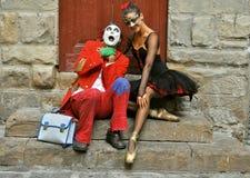 当小丑遇见了芭蕾舞女演员 库存照片