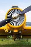 当庄稼喷粉器使用的Zlin Z-37 Cmelak捷克农业飞机 库存图片