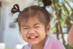 当是o时,这是幸福微笑亚裔孩子1岁4个月 图库摄影